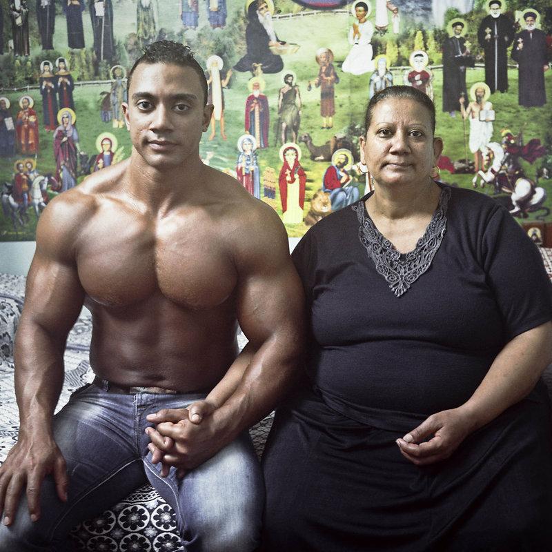 Mother and son / Mère et fils